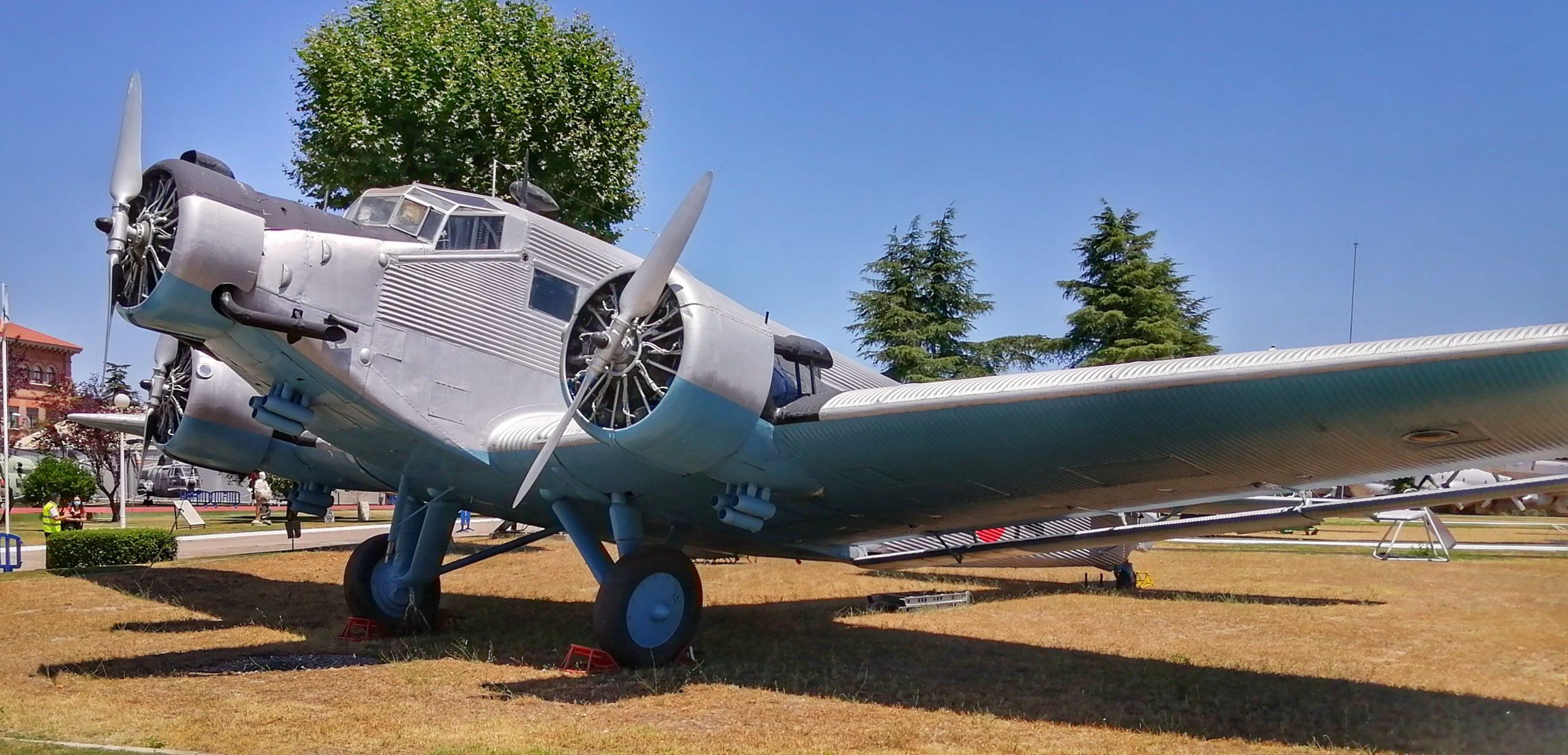 CASA C-352L.